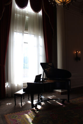 Fairmont Chateau Laurier Grand Piano in Window