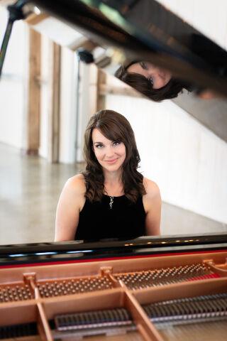 Kimberley Dunn Ottawa Wedding Pianist