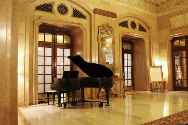 Chateau Laurier Drawing Room Foyer Grand Piano